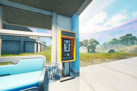 Fortnite challenge guide: Accept a quest from a payphone
