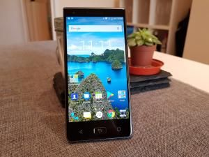 BlackBerry Motion Review: Hands On First Look