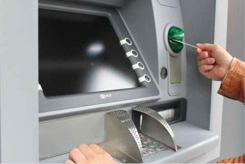 Reserve Bank in Australia Predicts ATMs and Cheques Will Go Extinct Post-COVID-19
