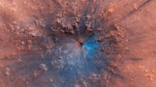 NASA's MRO Snaps 'Black-And-Blue' Impact Crater on Mars