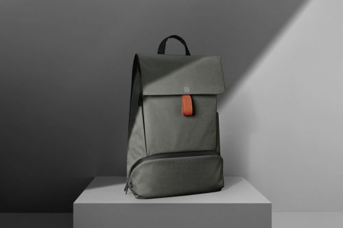 OnePlus is launching a new backpack alongside the OnePlus 6T
