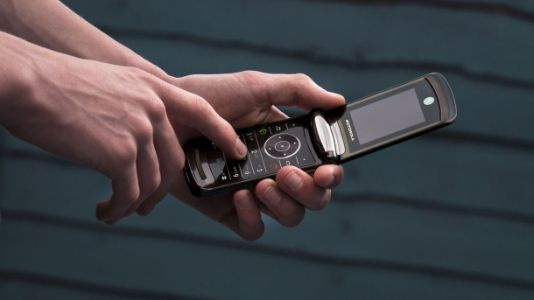 Huge leak might show us Motorola's foldable Razr in action for the first time