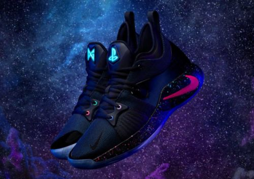Sony x Nike:  Paul George dévoile les sneakers PG-2 PlayStation Colorway