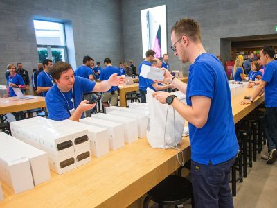 Thieves reportedly stole $24,000 worth of Apple products from an Apple Store that was robbed just months ago