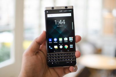 BlackBerry KeyOne vs. Galaxy S8: Keyboard or curves?
