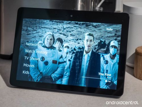 What live TV services does the Amazon Echo Show support?