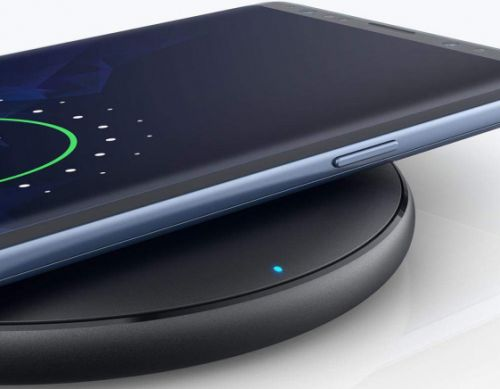 Pick up an Anker fast wireless charger for only $9.99 before this sale ends