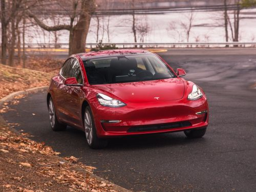 Tesla Model 3 fails to get recommendation from Consumer Reports because of 'big flaws'
