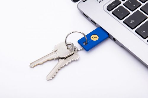 Twitter adds support for login verification with a USB key