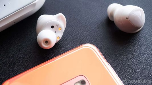 Samsung Galaxy Buds+ Renders Surfaces Online, Reveals Design and Color Variants
