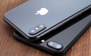 IPhone, Samsung smartphone sales suffered a sharp decline in Q4