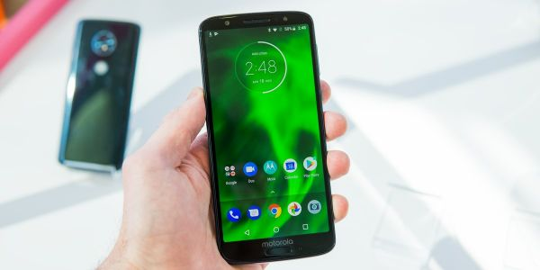 Motorola's brand-new $250 Moto G6 makes me question why I pay so much for a smartphone