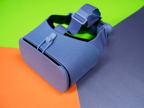 Let your smartphone power new worlds with the $50 Google Daydream View VR headset