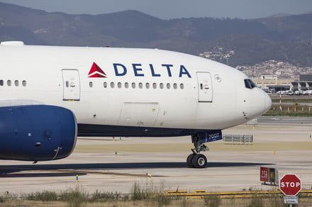 Delta tech issue grounds planes, tells travelers to check Wednesday flights