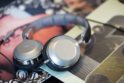 Review: Shinola Canfield headphones are an overpriced mess