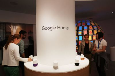Google Home and Assistant can speak Canadian French now