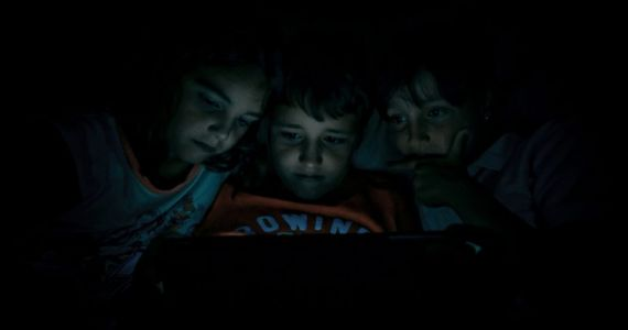 Oxford researchers say it's okay to grant your kids more screen time