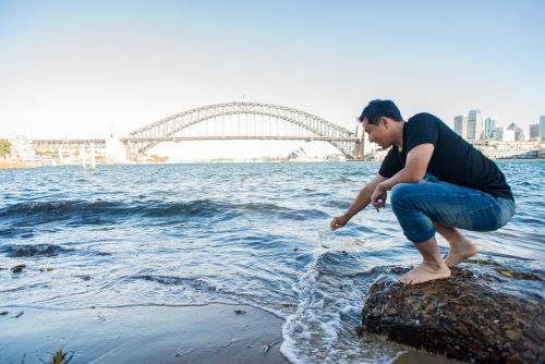 Graphene film makes dirty water drinkable in a single step