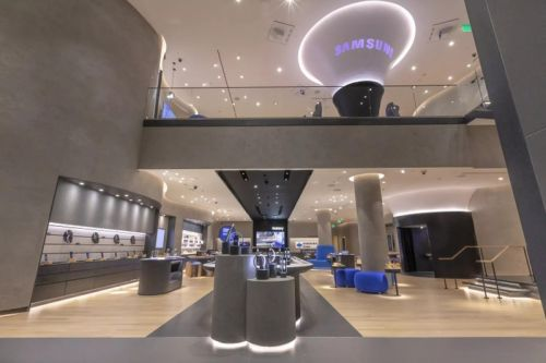 Samsung's opening three retail stores across the U.S. on February 20