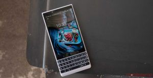TCL to unveil BlackBerry device on August 30th