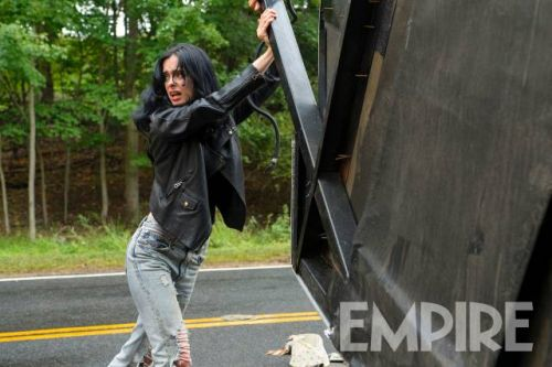 New Photo From JESSICA JONES Season 2 Shows That Patented Super Strength