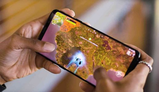 Google alerting Android users that Fortnite isn't on the Play Store