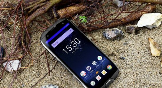 OUKITEL WP5000 Passes 14 Torture Tests & It can Answer calls Underwater