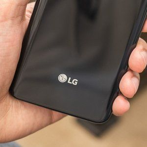 The LG G8 may debut with a foldable dual-display design