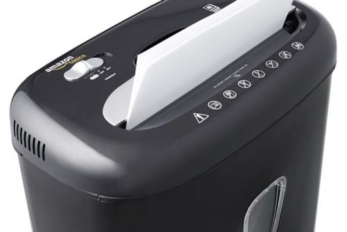 Get 29% Off This 6-Sheet Micro-Cut Paper and Credit Card Shredder