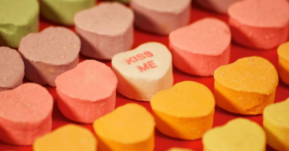 Scientist trains AI to write messages of love on candy hearts