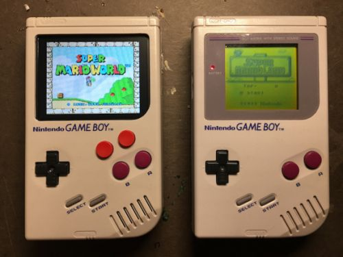 OMG, there's a Game Boy case for the iPhone that actually plays Tetris