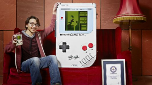 World's Largest Game Boy Makes A Man Out of Nintendo's Handheld