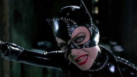 BATMAN RETURNS Set Video Shows Michelle Pfeiffer as Catwoman Awesomely Whipping Off The Heads of Mannequins