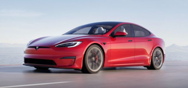 2021 Tesla Model S Launches with U-Shaped 'Yoke' Steering Wheel, New Infotainment, Facelift, and MORE!