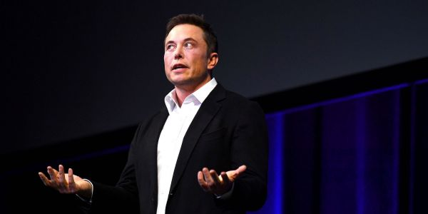 Elon Musk has apologized for defaming a British cave rescue diver who threatened to sue the billionaire