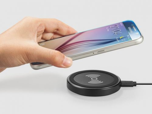 Here's how wireless phone chargers compare to regular chargers - and how to choose the right one