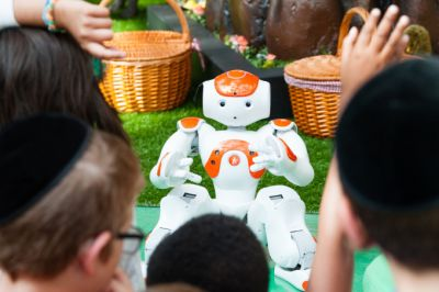 Disney experiments look to make kid-robot interactions more natural