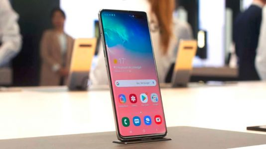 Galaxy S10 5G goes on pre-order in the UK, shipping early in next month