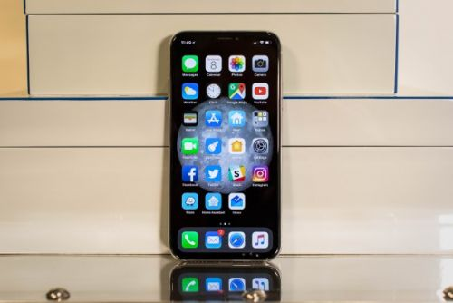 Why the iPhone X notch design looks better than Android copycats