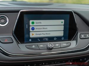 Here is a quick fix if the new Android Auto interface doesn't appear in your car