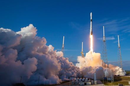 SpaceX launches 60 Starlink satellites but doesn't catch rocket stage