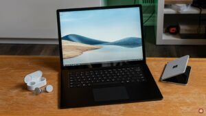 Microsoft Surface Laptop 4 Review: Working out the kinks