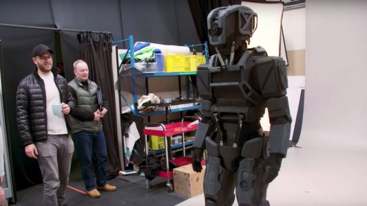 See How Weta Created The Practical Robot Costume For Netflix's Sci-Fi Film I AM MOTHER