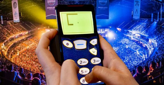 ASUS made a souped-up gaming phone. so I used it to play Snake