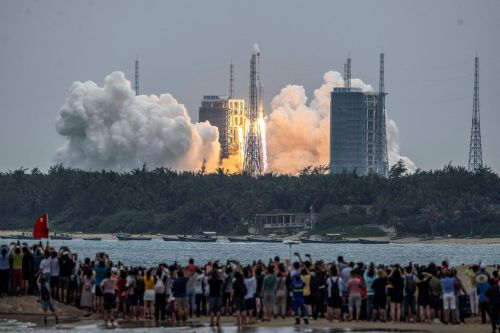 Chinese rocket falling to Earth this weekend poses 'extremely low' risk to people