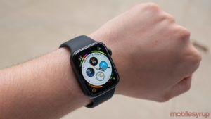 Amazon Canada has some Apple Watch Series 6 models for $60 off