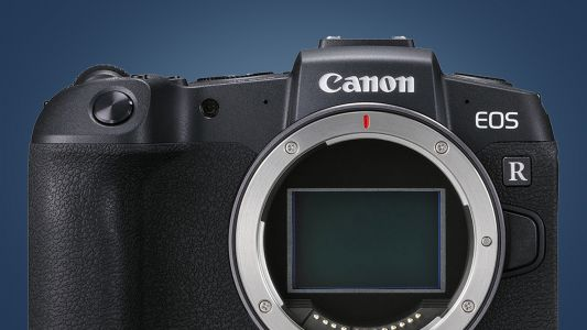 Canon is thinking of bringing the APC-S sensor to the EOS R system