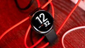OnePlus Watch gets always-on display, cuts half its battery life