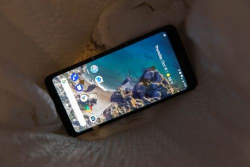 Google's new Pixel 2 phones have more annoying problems