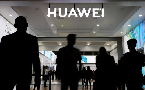 US officials reportedly agree to cut off Huawei from global chip suppliers - CNET
